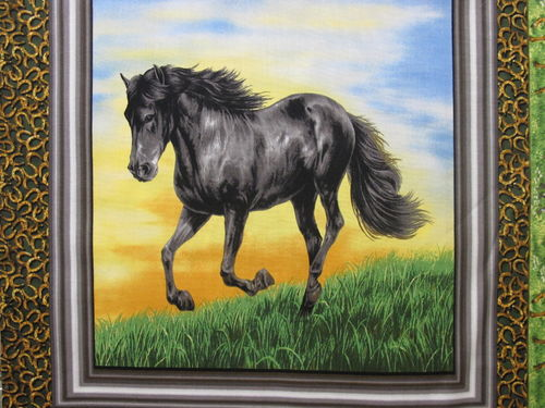 FABRI QUILT IN-RUNNING WHILD HORSE PANEL - B