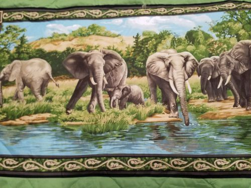 EXCLUSIVELY QUILTERS -ELEPHANTS (1)